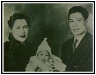 Bruce Lee with his parents as an infant