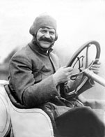 Louis Chevrolet racing a car for fiat