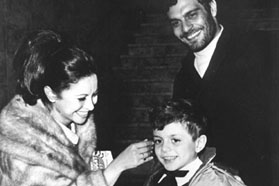 Omar Sharif with his wife and son