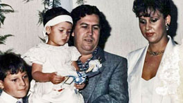 Pablo Escobar with his wife and 2 kids