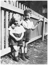 The Everly Brothers when they were kids