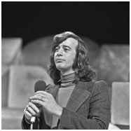 Robin Gibb performing a solo act