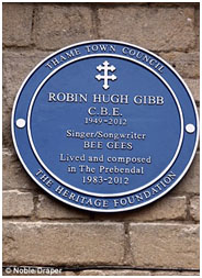 blue plaque place on Robin Gibb's house