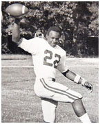 Walter Payton playing hisg school football